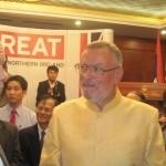 Lao cluster bomb survivor meets UK Foreign Secretary