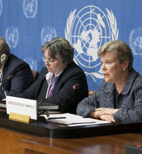 Press conference by the five Nuclear Non-Proliferation Treaty (NPT) nuclear weapon states at the UN Office, Geneva in 2013. (Flickr: https://www.flickr.com/photos/us-mission/8662720185/)
