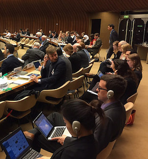 Conference room at the multilateral expert discussions on lethal autonomous weapons systems at the UN in Geneva, April 2015 (Campaign to Stop Killer Robots https://www.flickr.com/photos/stopkillerrobots/17179675316/)
