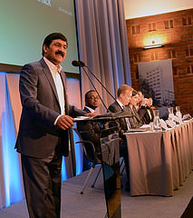 Ziauddin Yousafzai, father of Nobel Peace Prize winner Malala Yousafzai and UN Special Advisor on Global Education, speaks at the Safe Schools Conference in Oslo (Utenriksdepartementet UD, https://www.flickr.com/photos/utenriksdept/18231313201/in/photolist-sPq2So-tL75NN-tLr4Pt-sPq3jL-sPAjx6-sPq2Rb-tLr52H-tLr4Y6-tM3ffe-tLVQLM-tLAN2y-tukzVd-sQ7Eqx/)